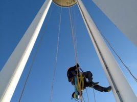 Trabajo vertical y en altura en la Torre del Centro Comercial la Salera de Castellón